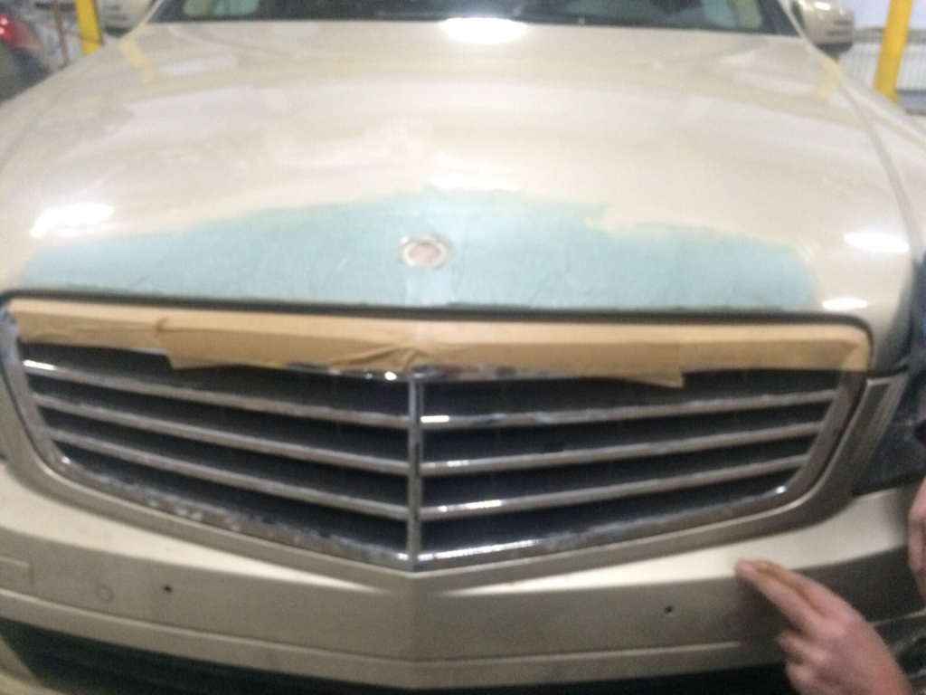 Кузовной ремонт передней части авто (процесс)